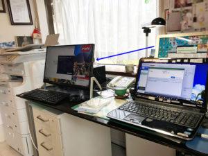 篠不動産鑑定士さんの事務所PC